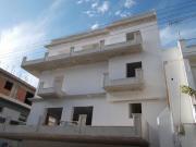 3-όροφη  οικοδομή  στο  Αιγάλεω 3-όροφη  οικοδομή  με  πυλωτή και  υπόγειο Περιοχή :  Αιγάλεω  Αττική Βασικό Επίχρισμα : Παραδοσιακός  Σοβάς   Τελικό  Επίχρισμα : Έτοιμος υδαταπωθητικός σοβάς τελικής στρώσης Isomat Marmocret Fine Χρόνος παράδοσης : 20  εργάσιμες Ημερομηνία  παράδοσης : 15/01/2015